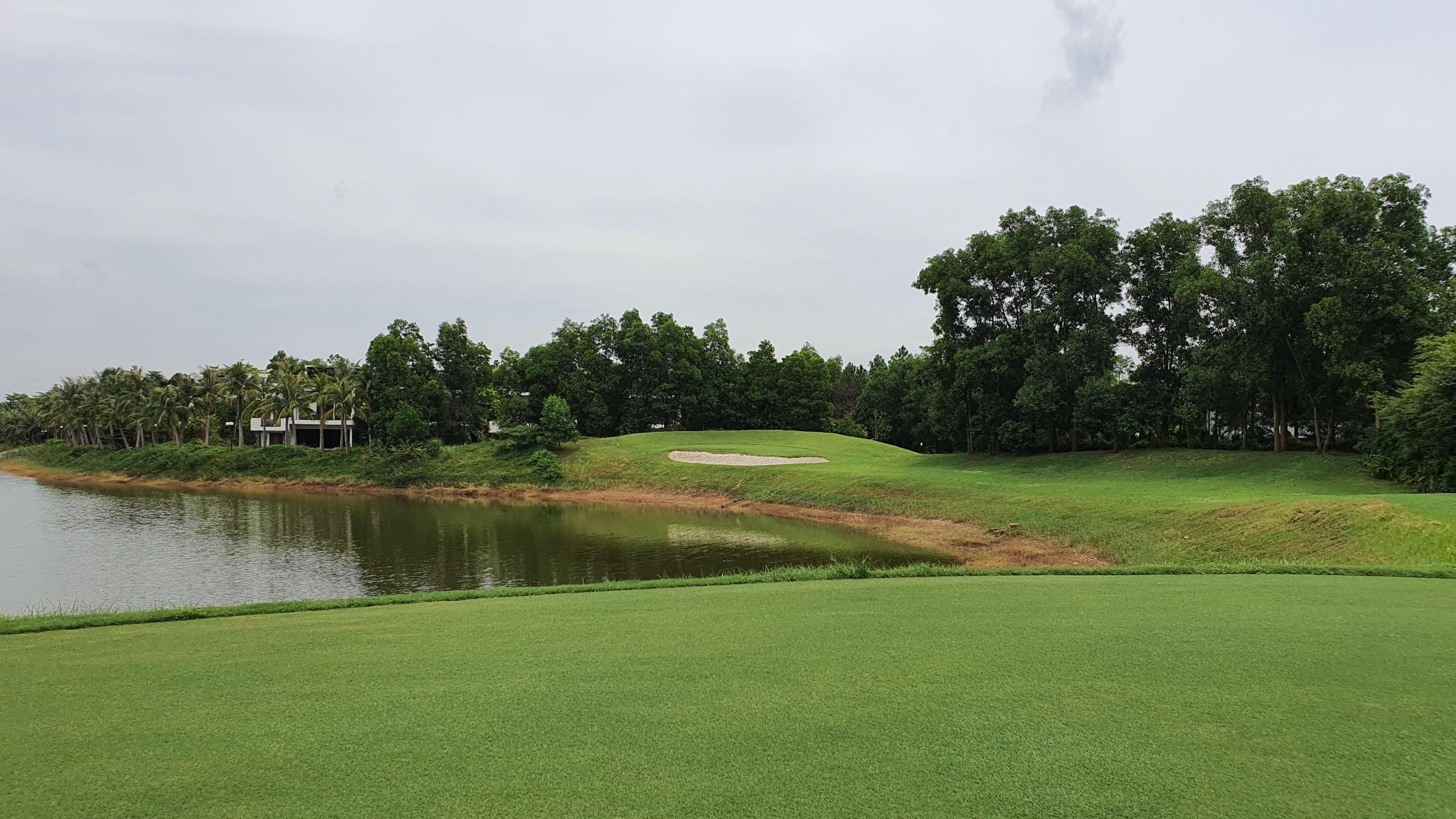 Biệt thự luxury the Legend Villas Flamingo Đại Lải, sân golf